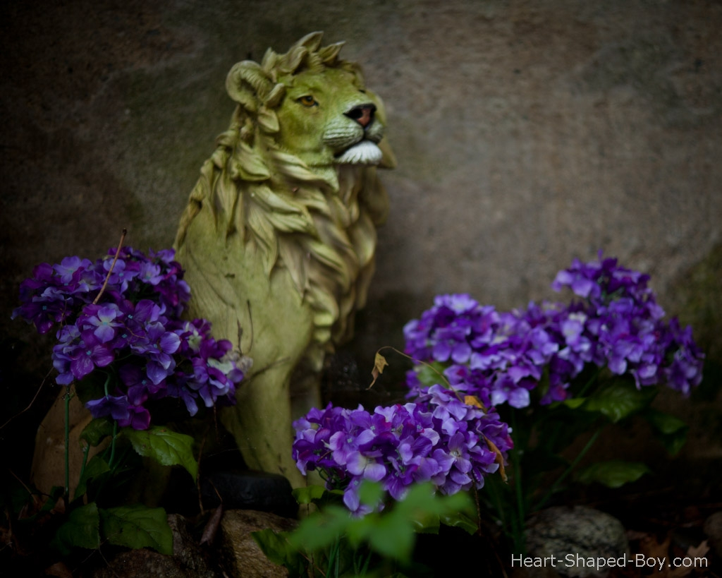 Ceramic Lion with Flowers